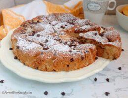 Torta pere e gocce di cioccolato senza glutine e burro